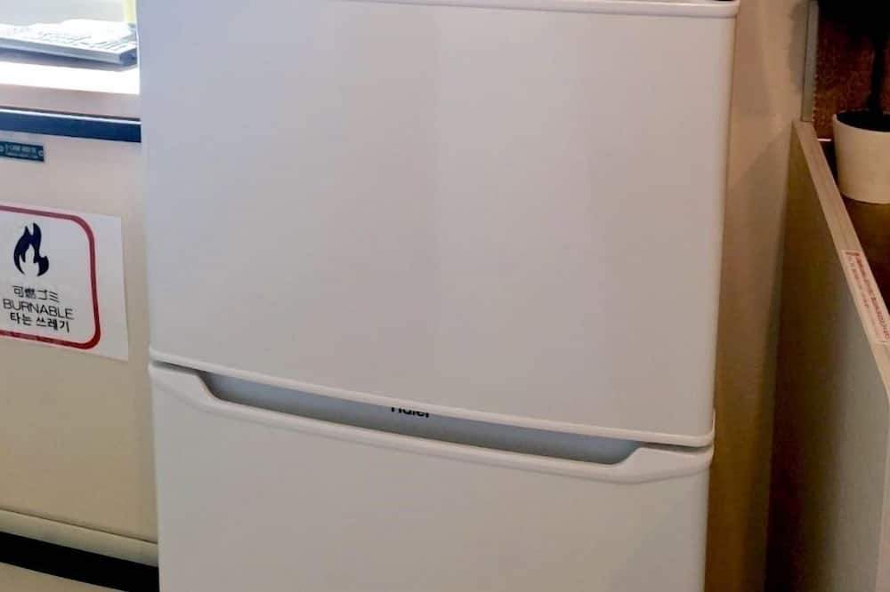 Apartment, 1 Bedroom - Mini Refrigerator