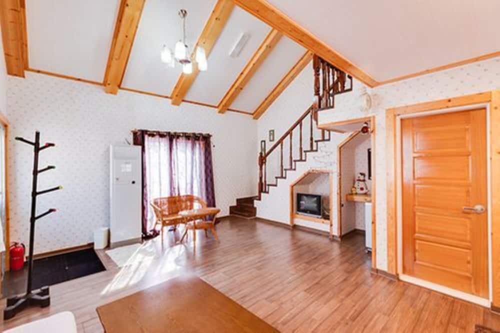 Room (D) - Living Area