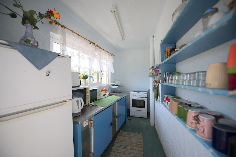 Quarto Triplo - Cozinha partilhada