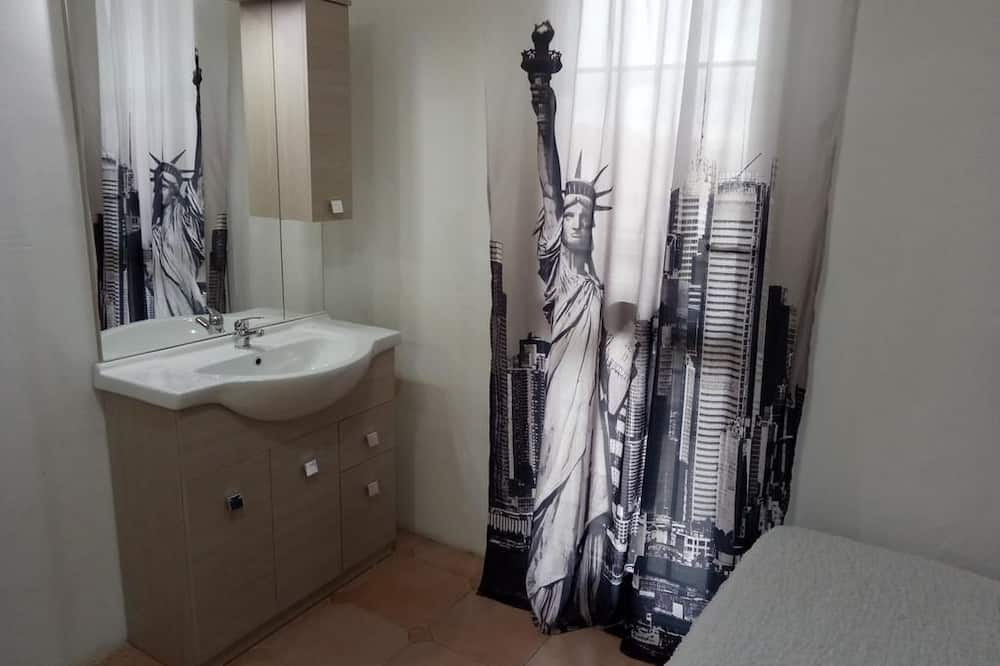 Basic-Zimmer, Gemeinschaftsbad - Badezimmer