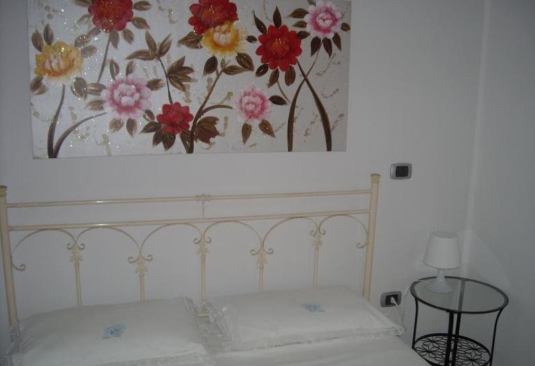 لا فيتا إي بيلا, كارياتي, غرفة ديلوكس ثلاثية - غرفة نوم واحدة - بحمام خاص, غرفة نزلاء