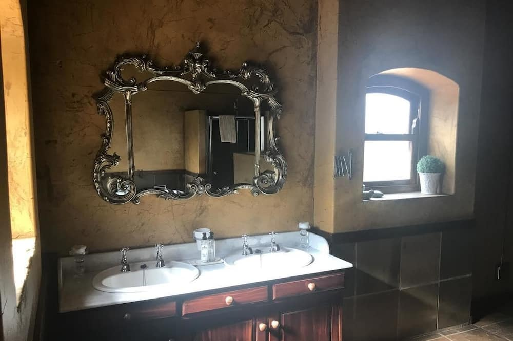Luxusná izba (2) - Kúpeľňa