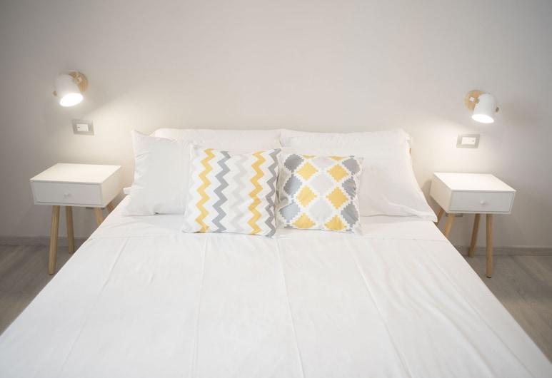 Winkler Suites, Rome, Deluxe Room (102), Guest Room