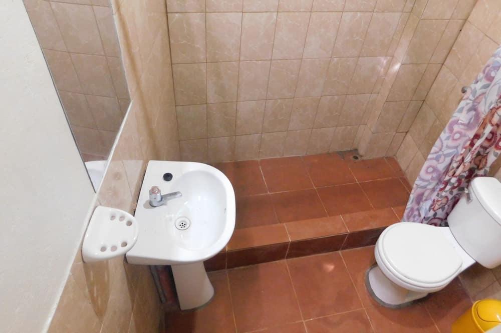 Traditional Single Room - Bathroom
