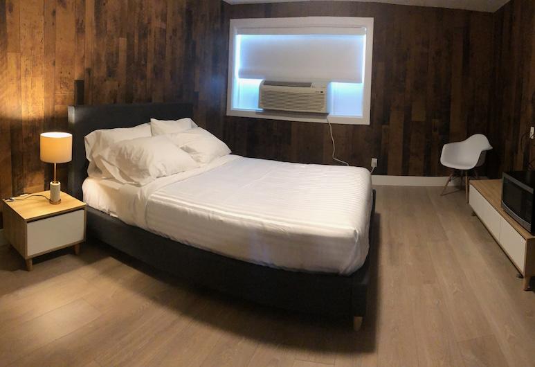 Camrose LeChateau Hotel, Камрос, Номер преміум-класу, 1 ліжко «квін-сайз», Номер