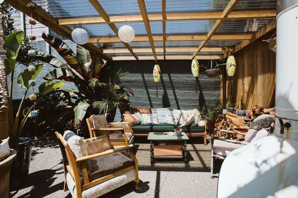 House, 3 Bedrooms, 2 Bathrooms, Ocean View - Terrace/Patio