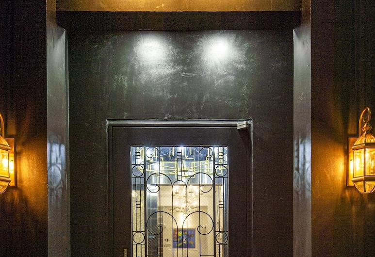 Buena Arte Hostel, Tokyo, Hotel Entrance
