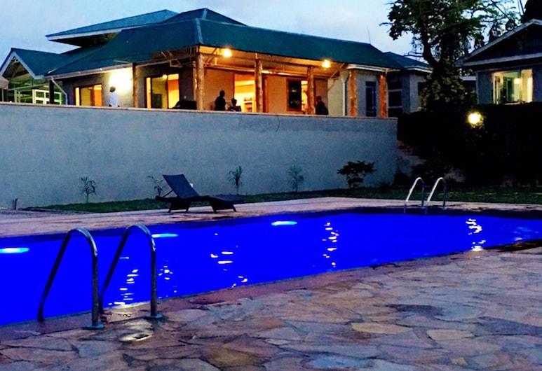 KCC Hotels, Kibaha, Utendørsbasseng