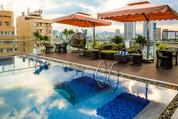 Enter your dates for our Da Nang last minute prices