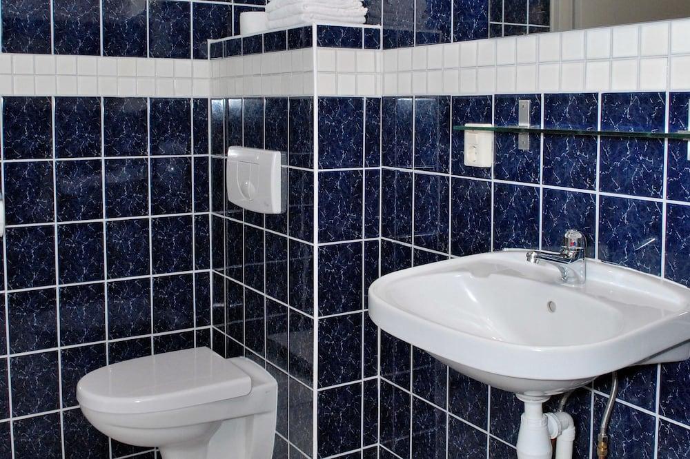Habitación tradicional con 2 camas individuales - Baño