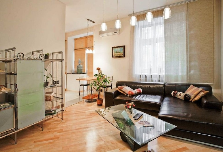 StudioMinsk in Historic Centre, Minsk, Superior-Apartment (Internatsionalnaya, 17), Wohnzimmer