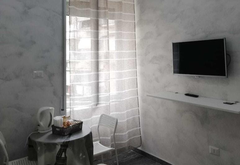 阿米里阿菲塔卡梅爾酒店, 那不勒斯, 三人房, 客房
