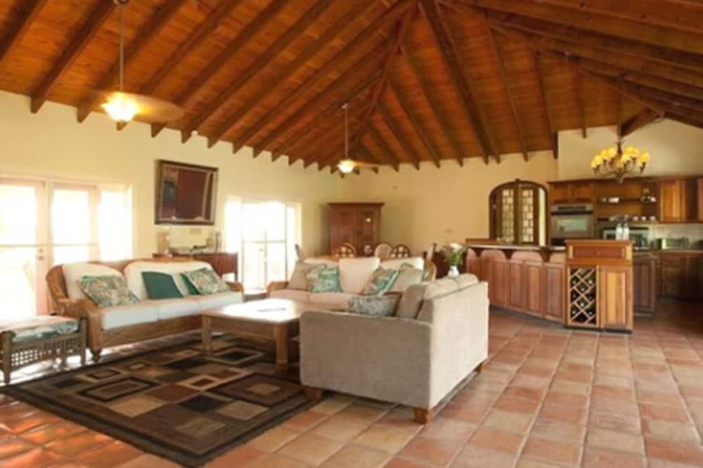 4 Bedroom Villa - Area soggiorno