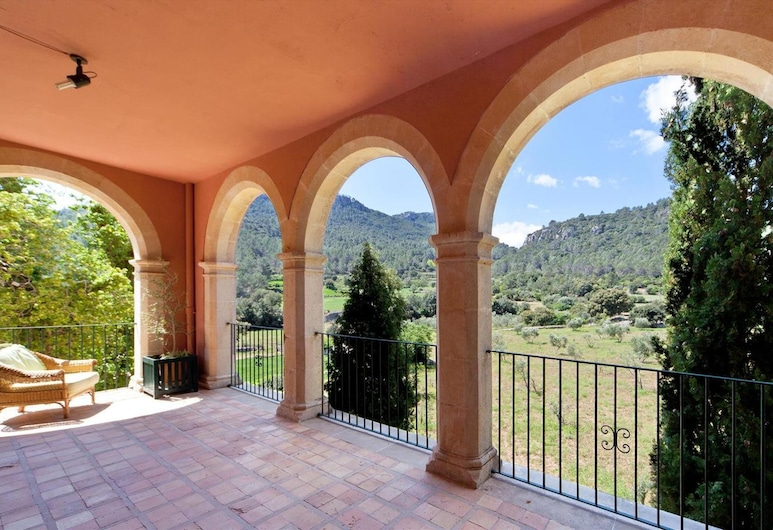 Villa With 6 Bedrooms in Orient, With Wonderful Mountain View, Private Pool and Furnished Terrace, Bunyola, Terrazza/Patio