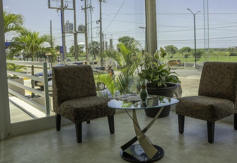 BONITTO INN® Tampico Aeropuerto, Tampico, Sala de estar en el lobby