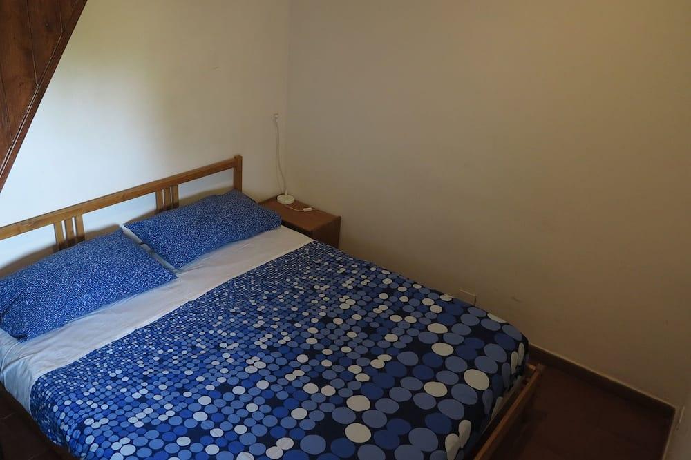 Kambarys su pagrindiniais patogumais, bendras vonios kambarys - Svečių kambarys