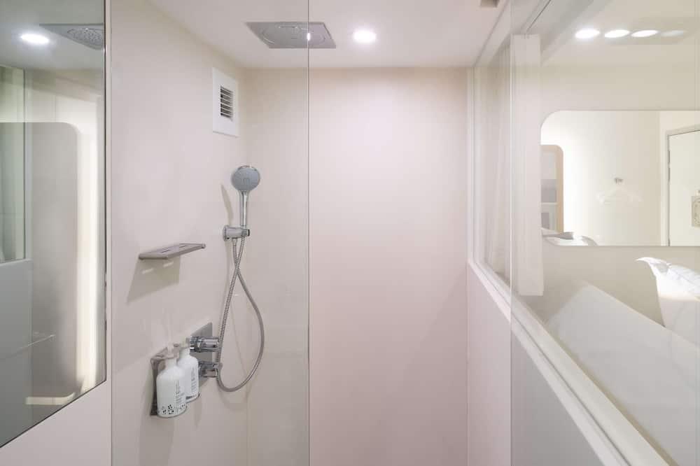 Family Cabin - Bathroom