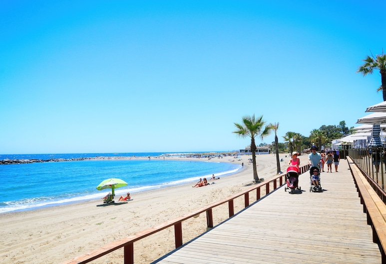 Beachfront Urb. Luxury Apartment 1, Marbella, Strand
