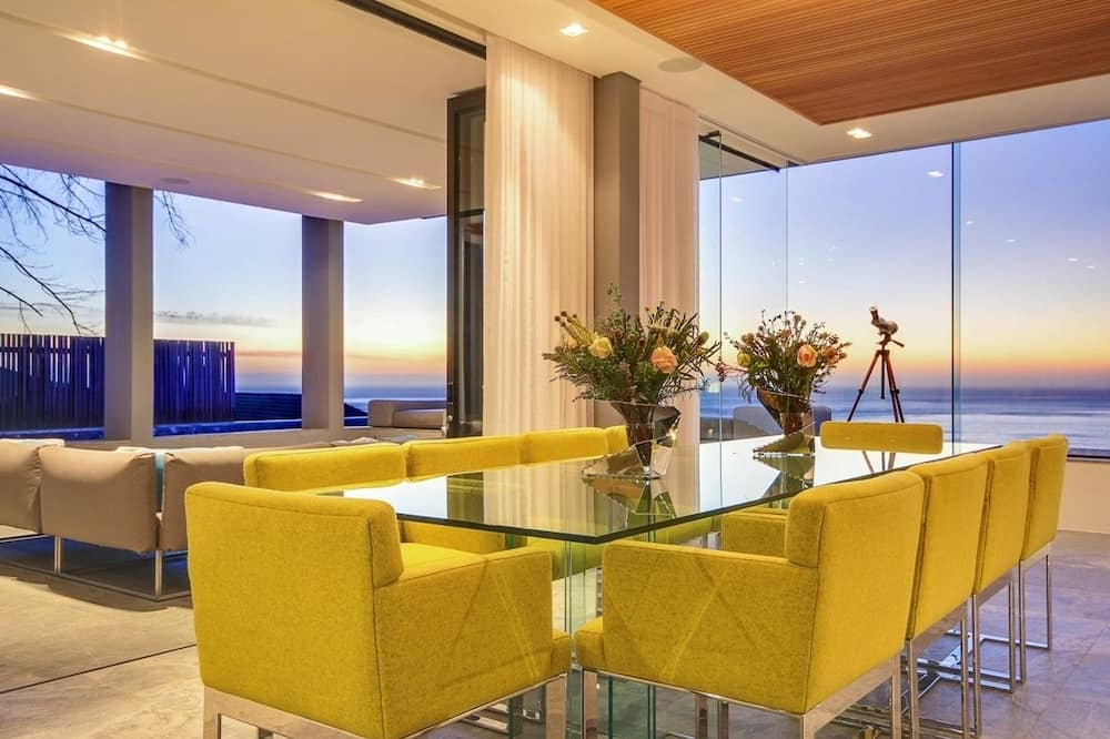 Geneva House - In-Room Dining