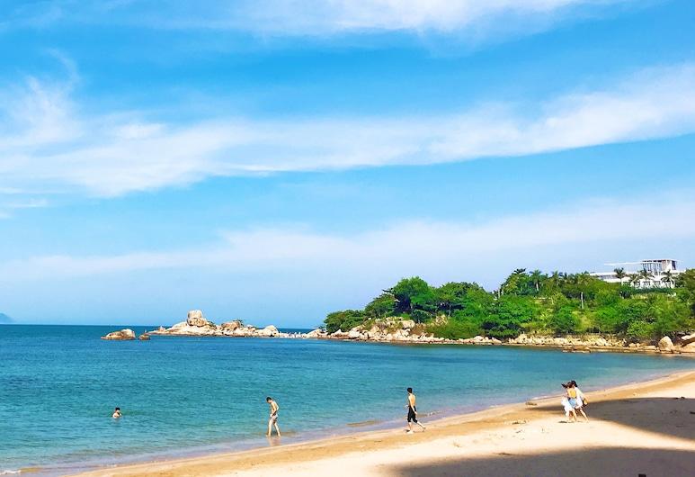 999 CONDOTEL Muong Thanh Vien Trieu, Nha Trang, Beach