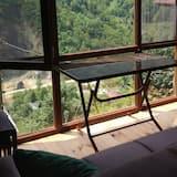 Bungalow, 1 Bedroom, Kitchen, Valley View - Living Area