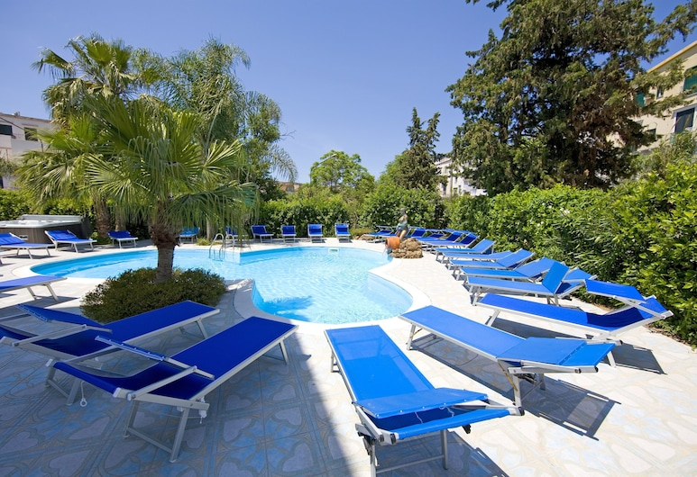 Hotel Nausicaa Palace, Casamicciola Terme, Outdoor Pool