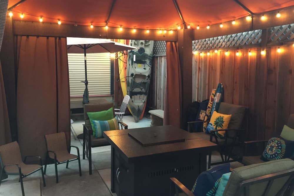 Nhà, 3 phòng ngủ - Phòng khách