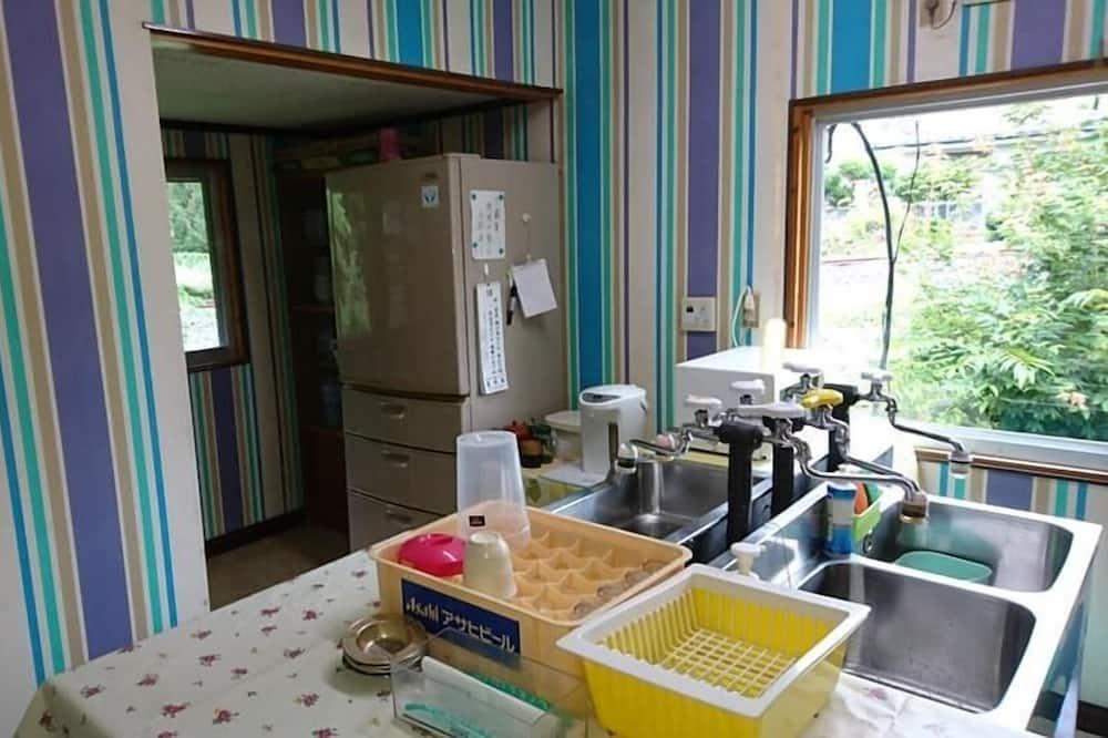 傳統客房 (Japanese Style, For 14 People) - 共用廚房