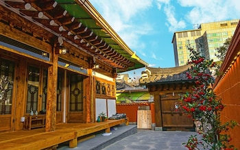 Picture of Yewondang in Jeonju