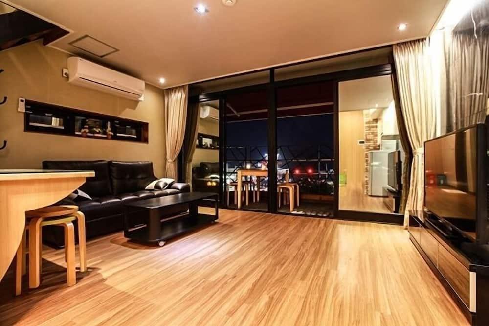 Duplex, Partial Ocean View (17 PY, #303) - Bilik Rehat