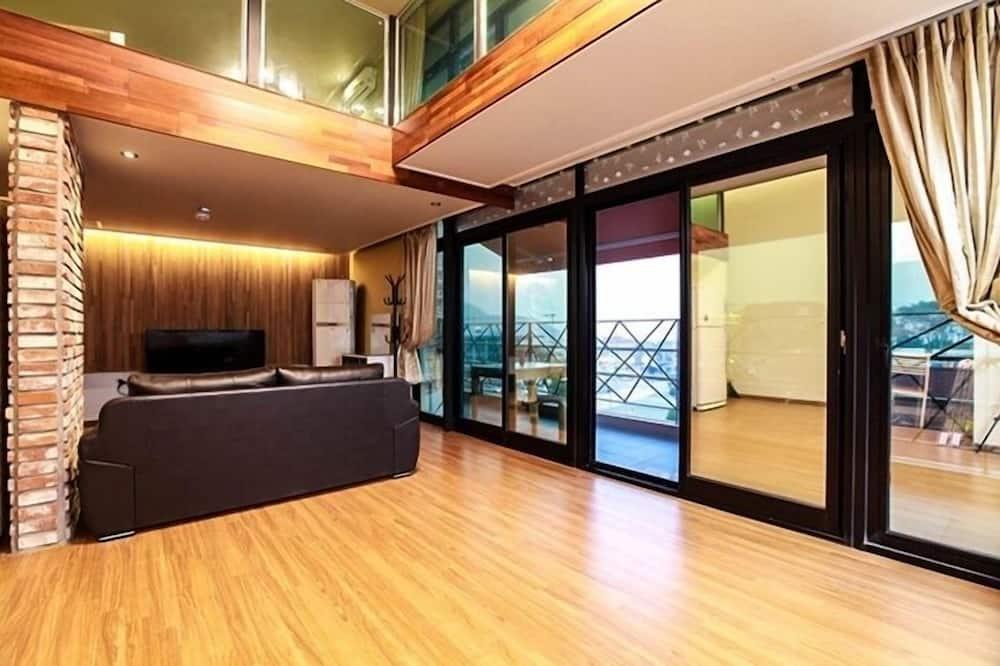 Duplex, Ocean View (#25 PY, #302) - Bilik Rehat