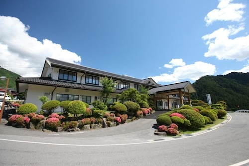 尼薩米酒店/