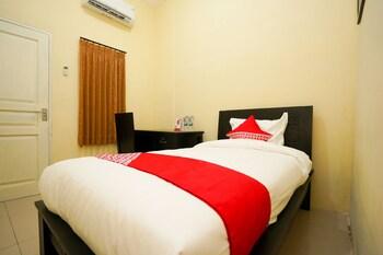 A(z) OYO 998 La'ana Residence Syariah hotel fényképe itt: Surabaya
