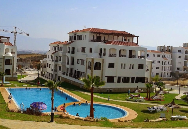 Apartment With 2 Bedrooms in Cabo Negro, With Shared Pool and Enclosed Garden - 5 km From the Beach, M'diq, Piscina