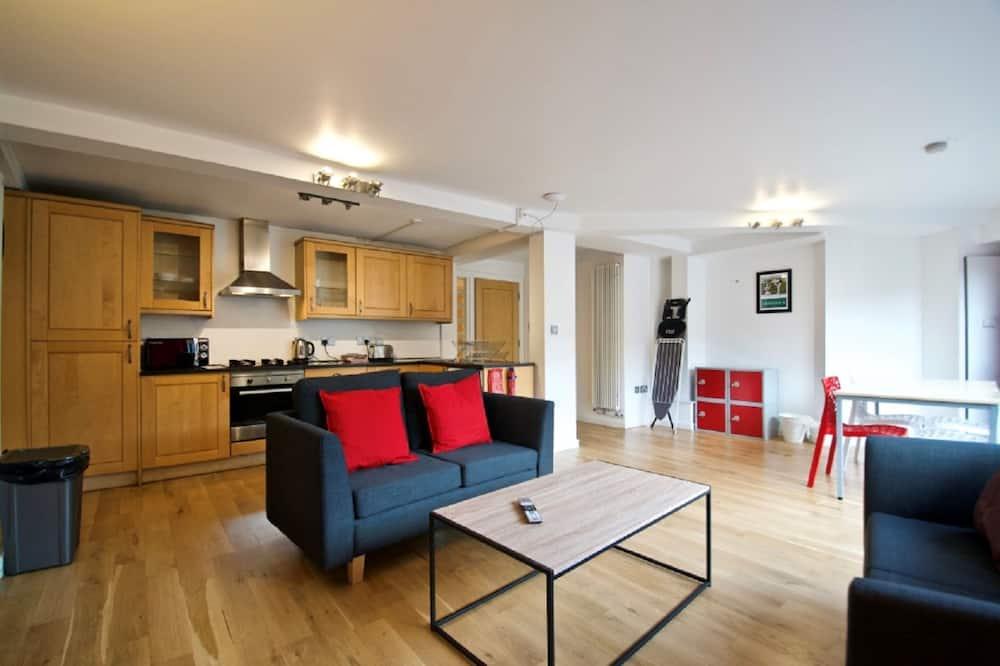 Апартаменти категорії «Комфорт», 3 спальні, для некурців, 2 ванни (Sleeps 6) - Вітальня