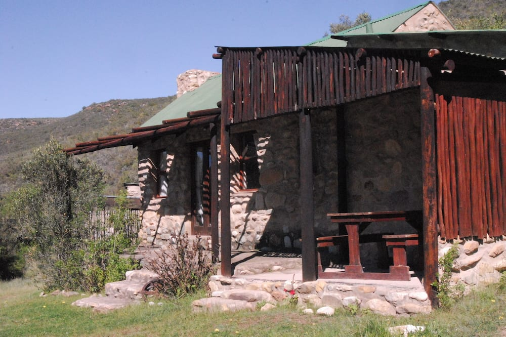 Cottage, 2 Bedrooms, Mountain View (Animals of Africa) - Street View