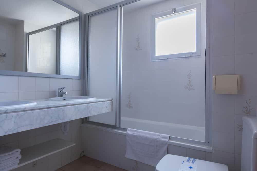 Apartment, 3Schlafzimmer, Balkon, Parkblick - Badezimmer