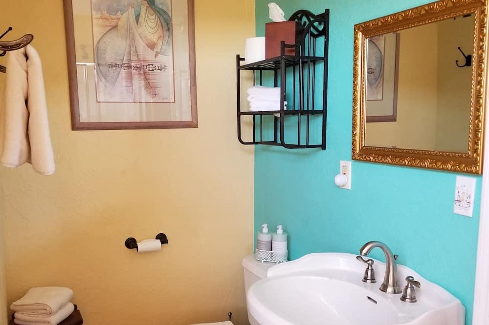 The Ranch - Bathroom
