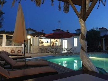 A(z) Villa Askamnia resort hotel fényképe itt: Szitónia