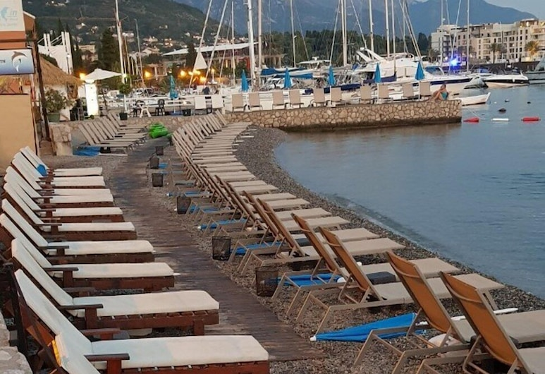 Apartment Small Oasis, Tivat, Strand