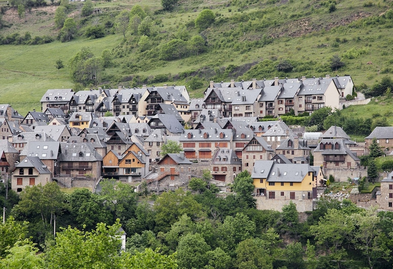 Mirador de Vielha by Feelfree Rentals, Vielha e Mijaran, Property Grounds