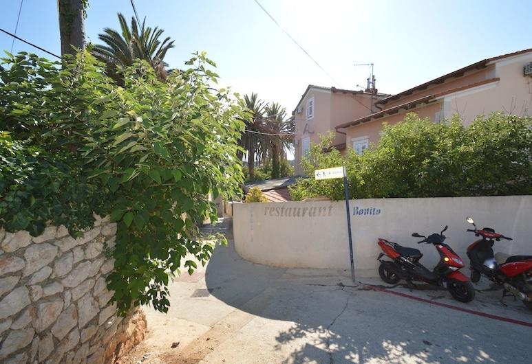 Apartments Goga, Mali Losinj, Areál