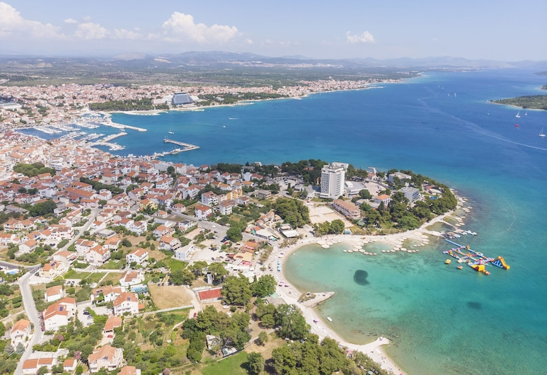 Apartments and Rooms Mladen, Vodice, Strand