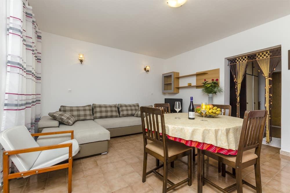 Apartment (A4) - Living Room