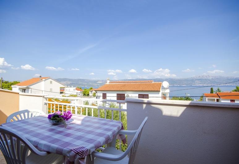 Apartments Milka, Slatine, Apartment (A3), Balcony