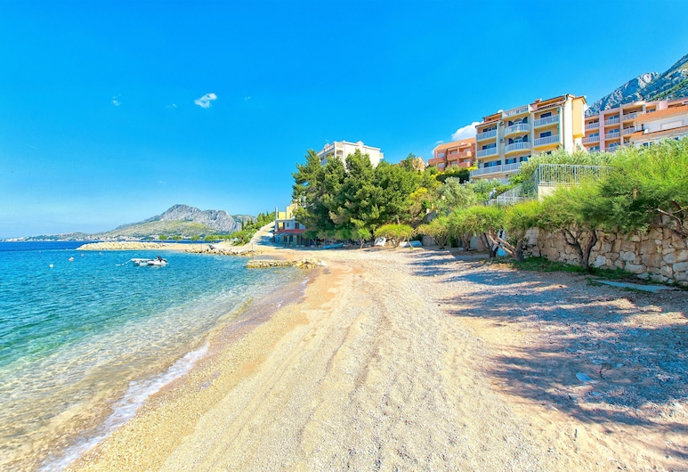Apartments Anto, Omis, ชายหาด