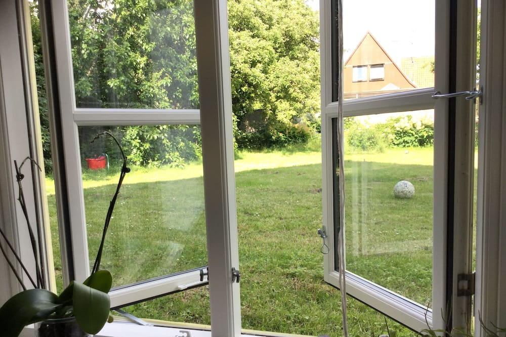 Basement Floor Apartment in Classic Danish House. 5km From Town Center