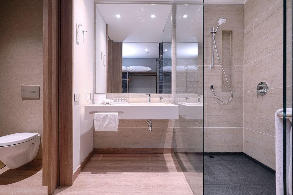 Deluxe-Zimmer, 2Doppelbetten, Nichtraucher - Badezimmer