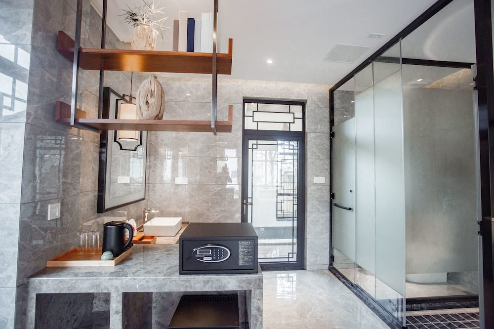 Exclusive Double Room, Non Smoking - Bathroom