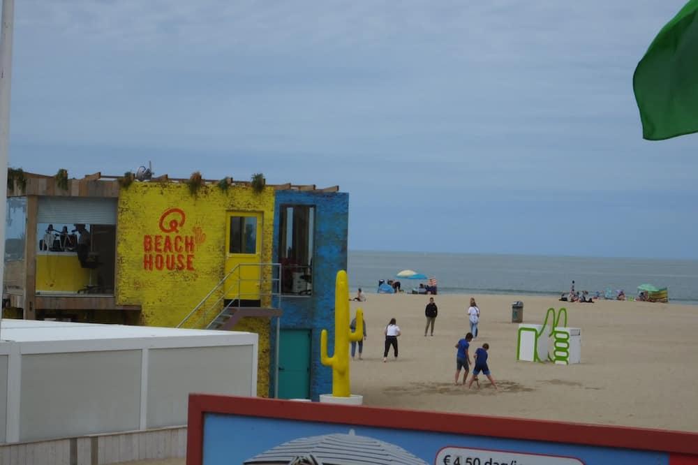 บาร์ริมหาด